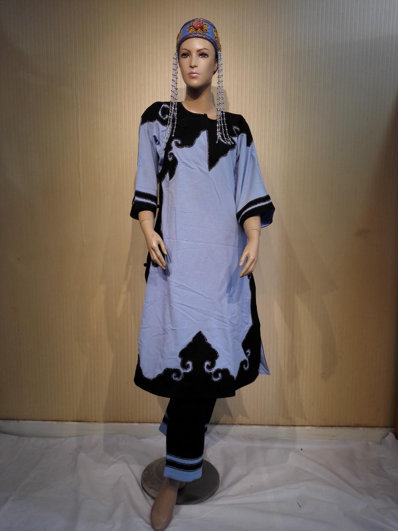 达翰尔族女装