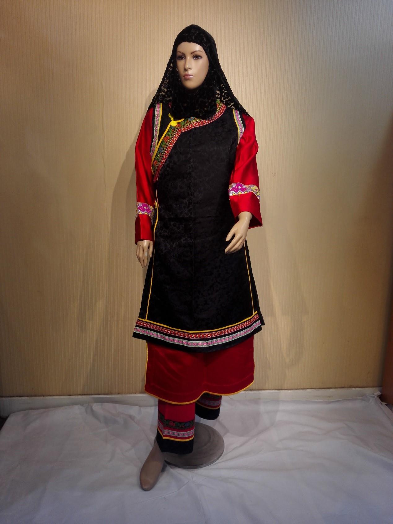 东乡族女装
