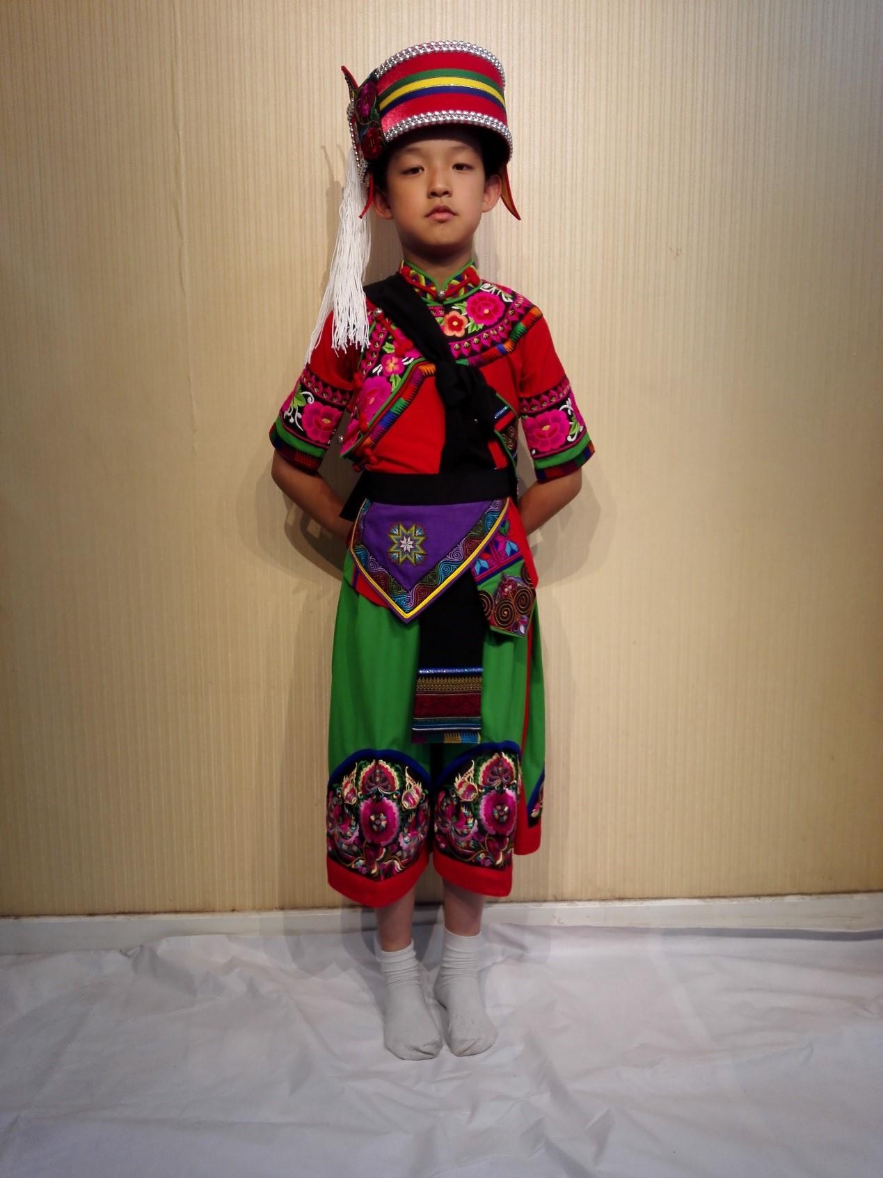 彝族儿童装女装