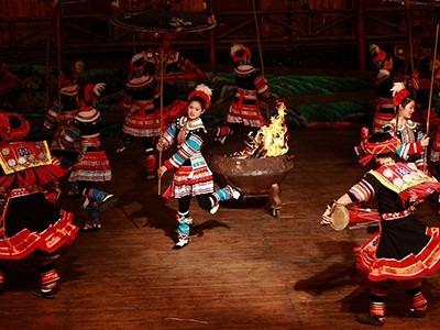 各个少数民族舞蹈服装设计分别有何特点?