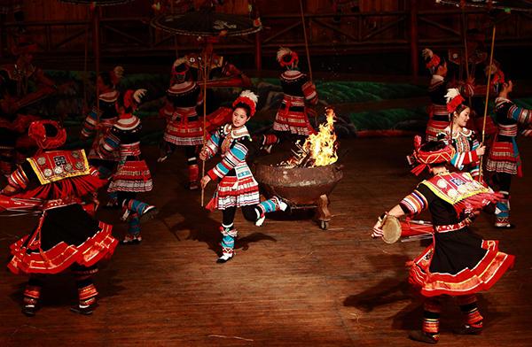 民族舞蹈服装