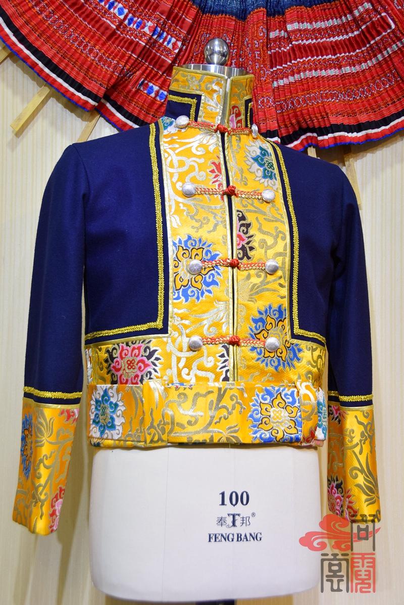 藏族传统男装01
