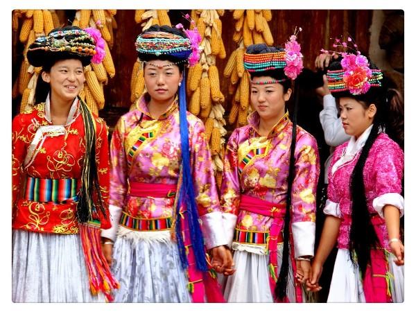 云南少数民族服饰,世界艺术的大奇观