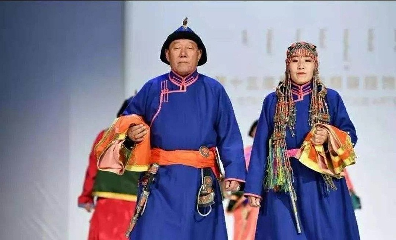达斡尔族传统服饰14