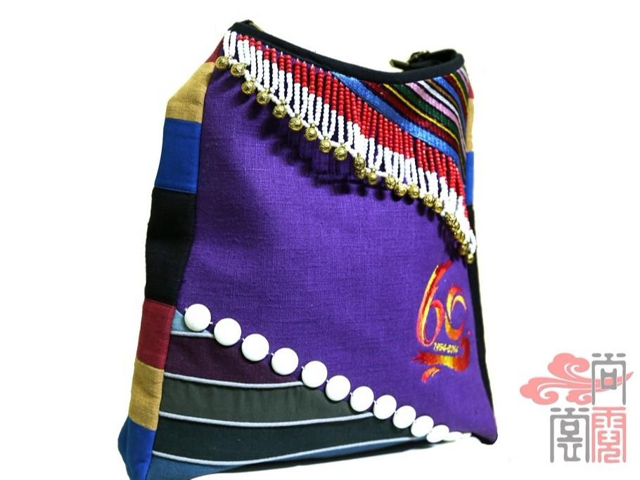 少数民族服饰傈僳族民族工艺纪念包