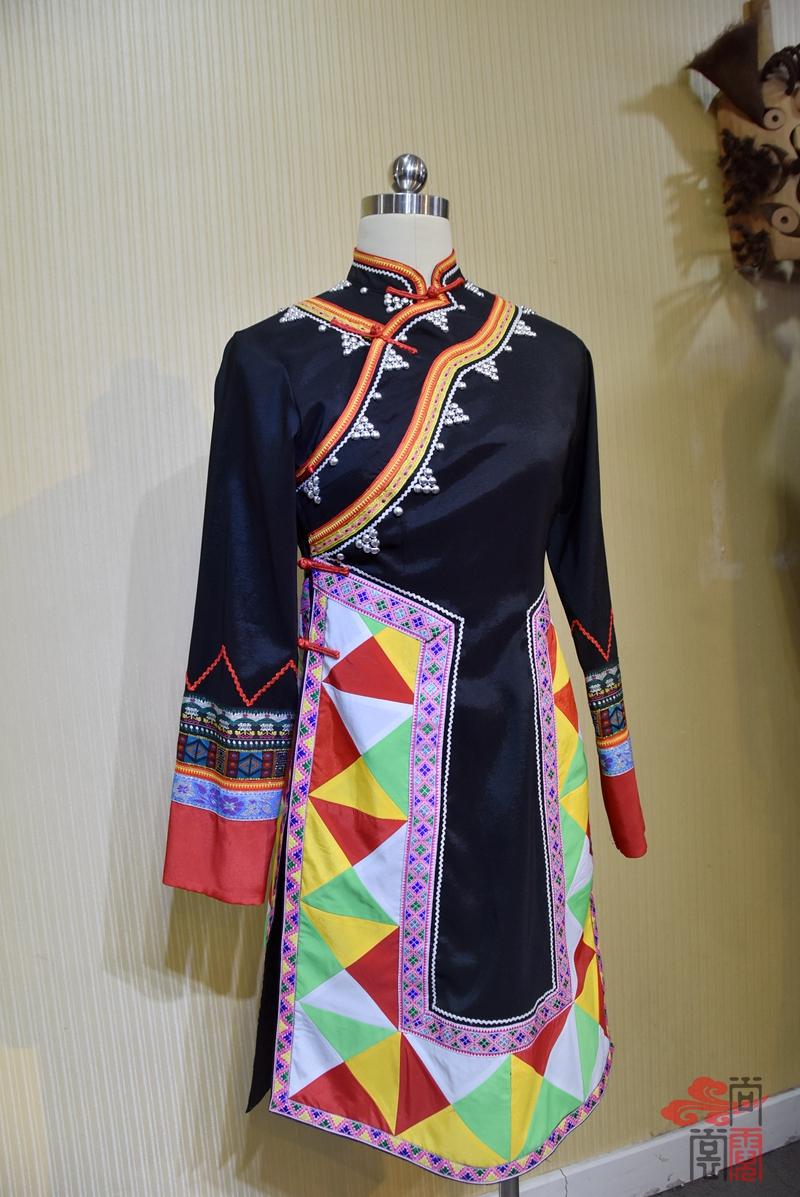 少数民族服饰拉枯族女装01
