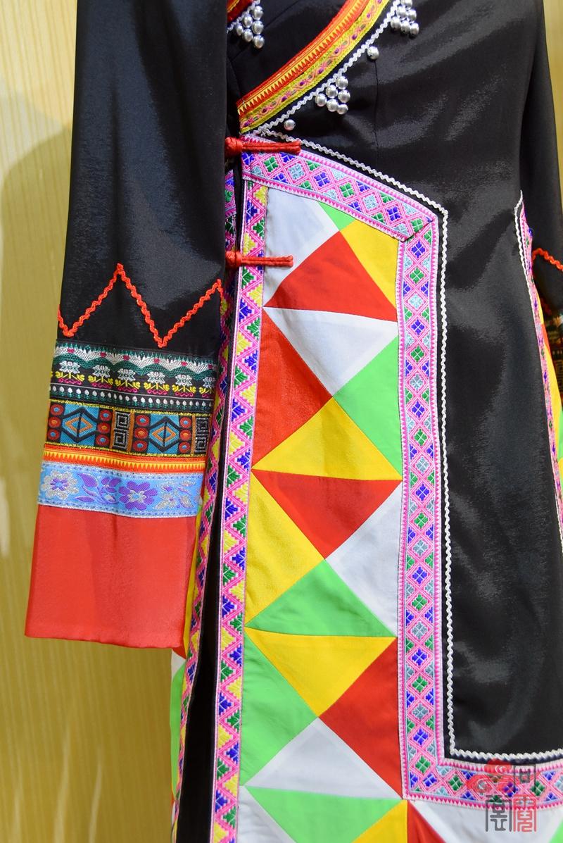 少数民族服饰拉枯族女装06