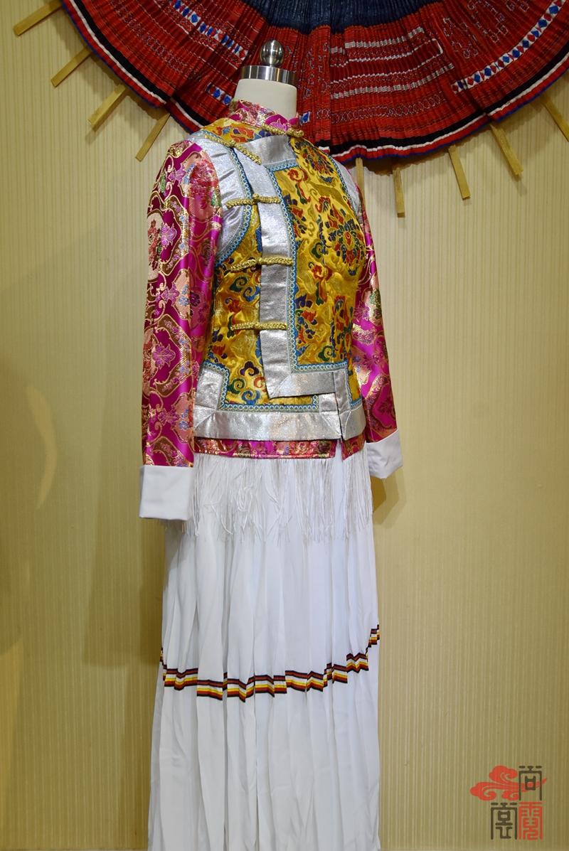 藏族传统女装01