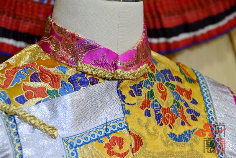 藏族传统女装09