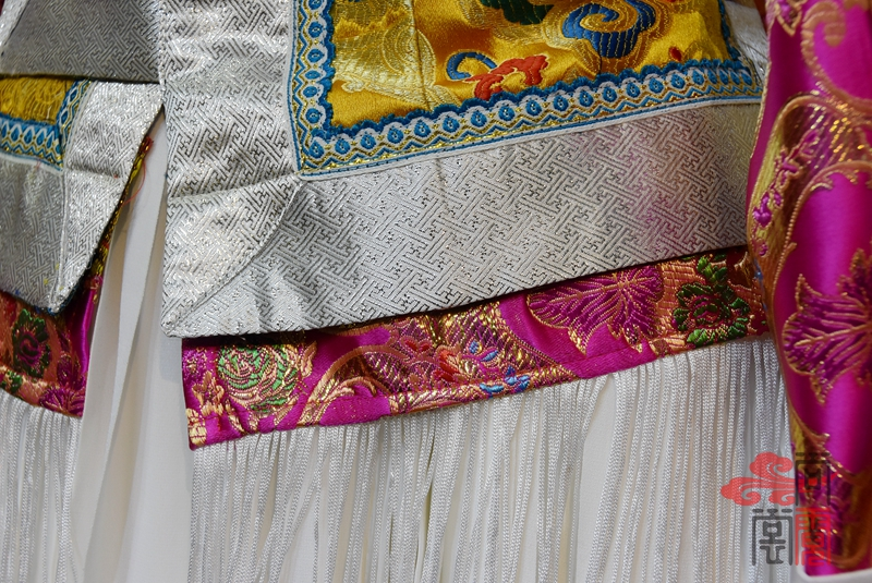 藏族传统女装12