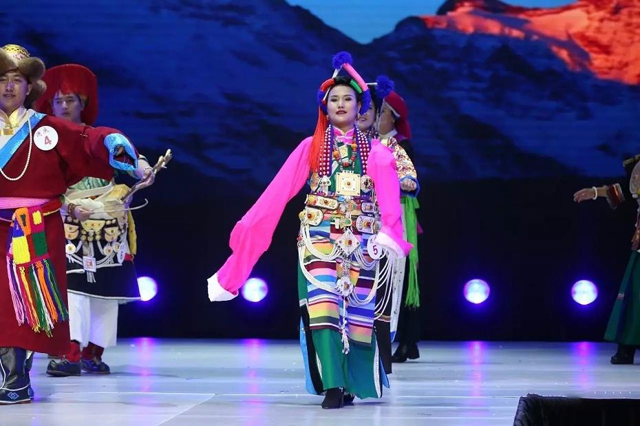 藏族表演服装