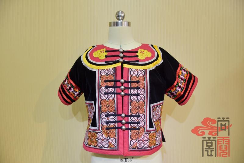 凉山彝族少数民族服饰0