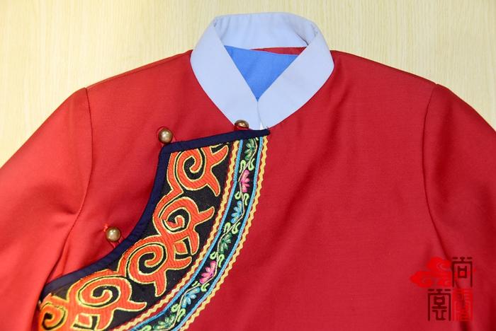 彝族民族校服1