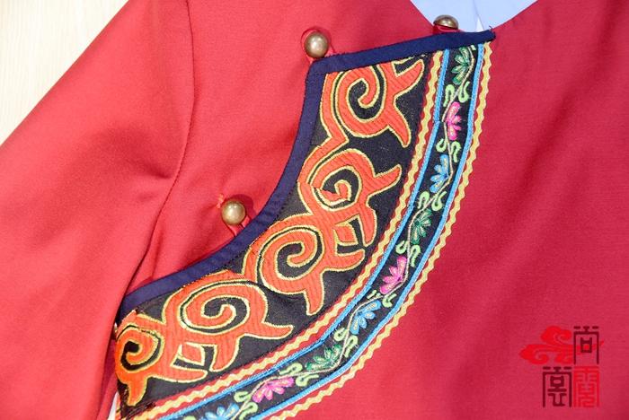 彝族民族校服3