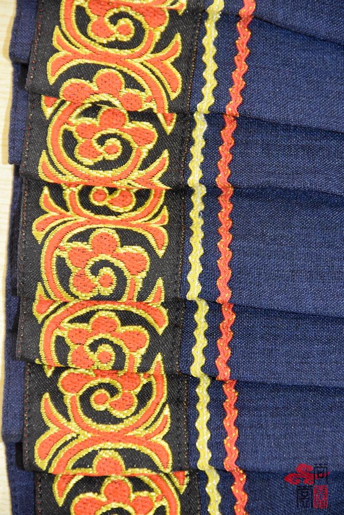 彝族民族校服5