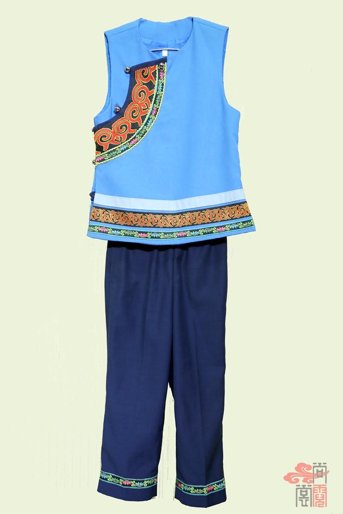 彝族民族校服10