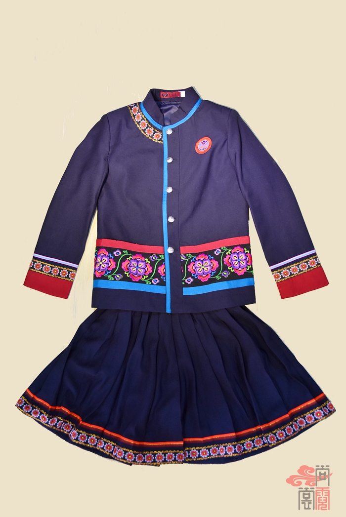 彝族民族校服0