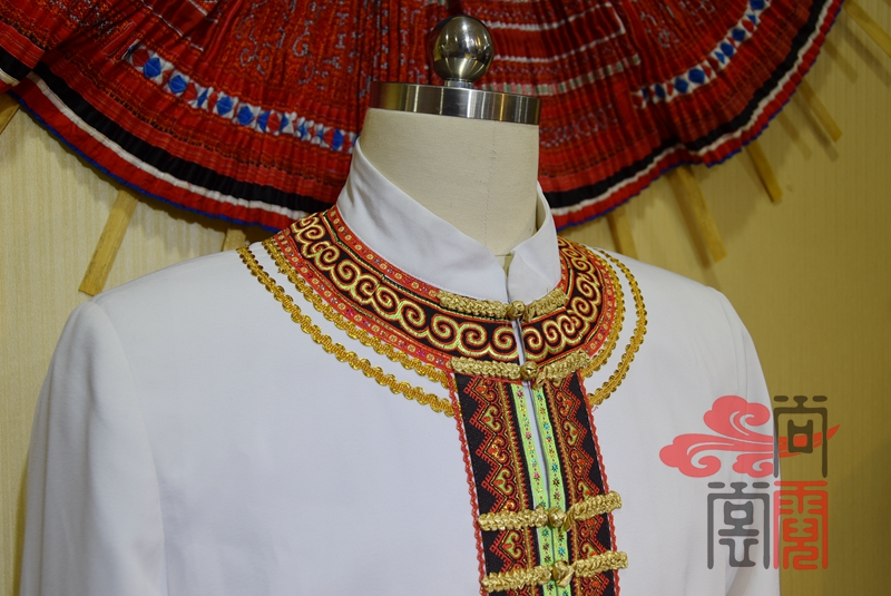 少数民族服饰彝族礼仪商务装2