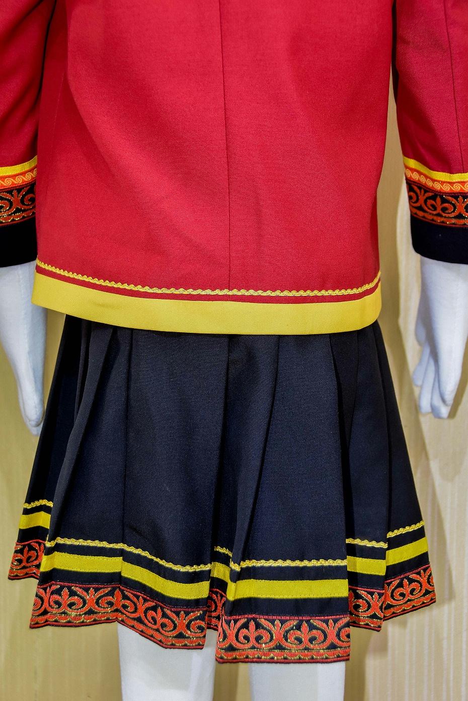 凉山民族校服1
