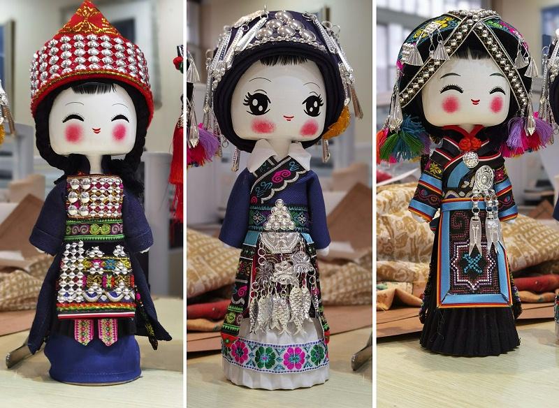 墨江哈尼族九大支系民族娃娃