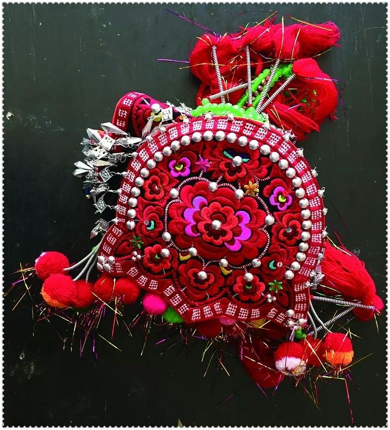 花腰彝刺绣