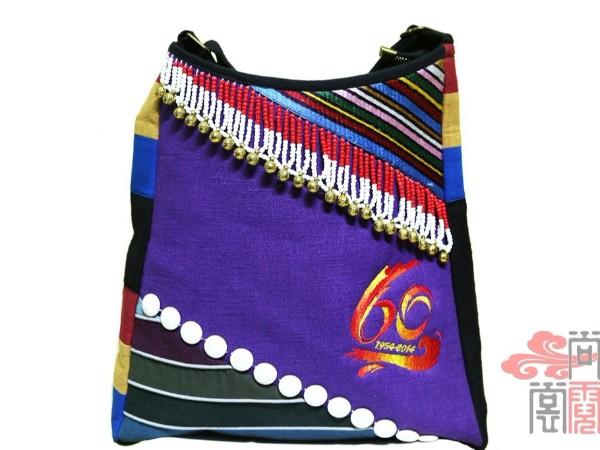 霓裳民族服饰公司设计民族风挎包