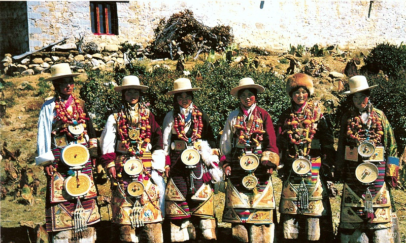 四川甘孜州藏族女装