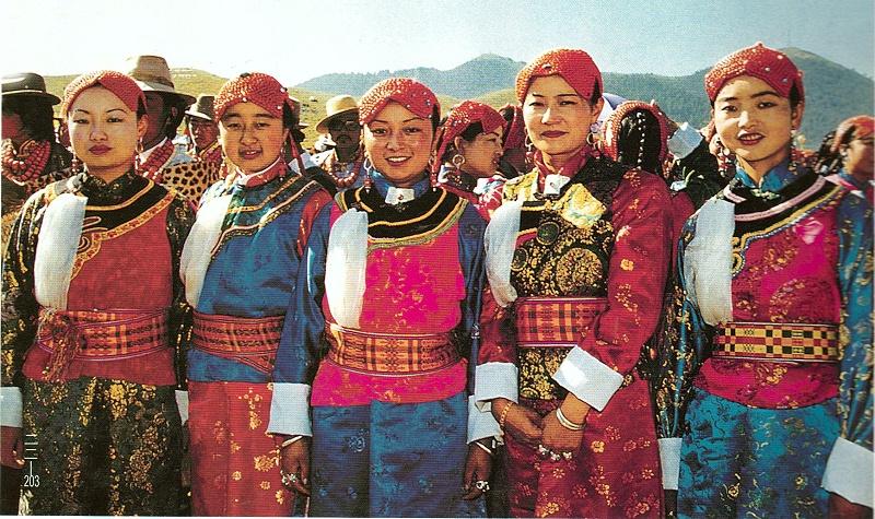 甘南州卓尼县藏族服饰