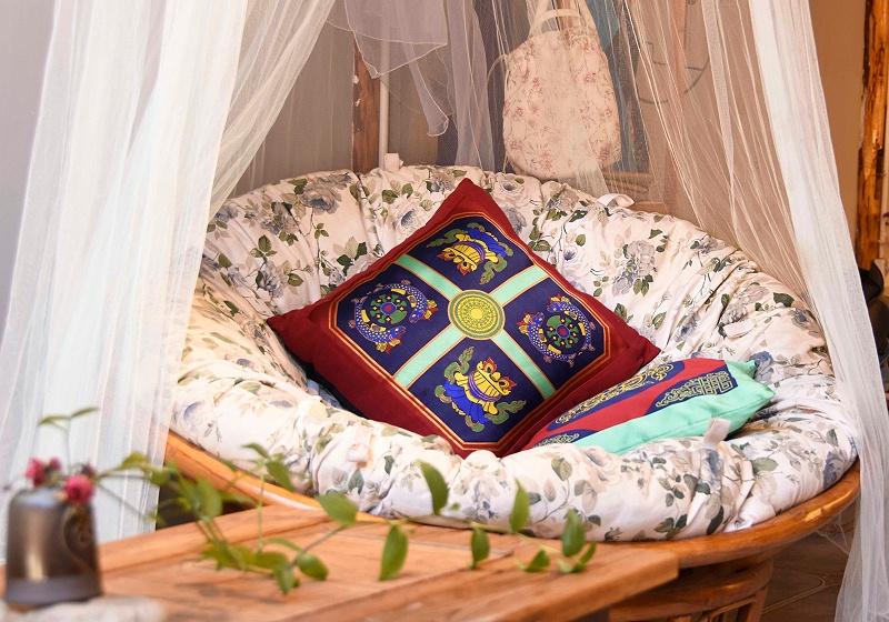 藏族元素抱枕