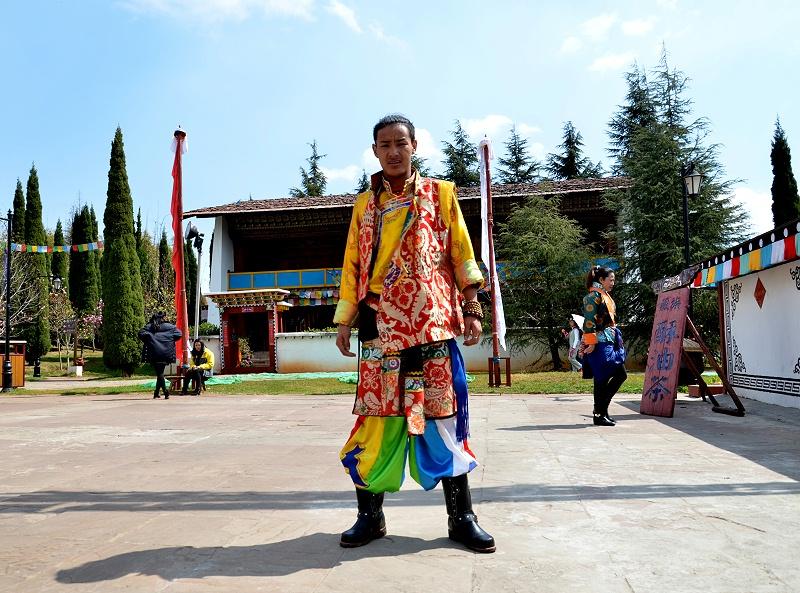 旅游景区藏族服饰