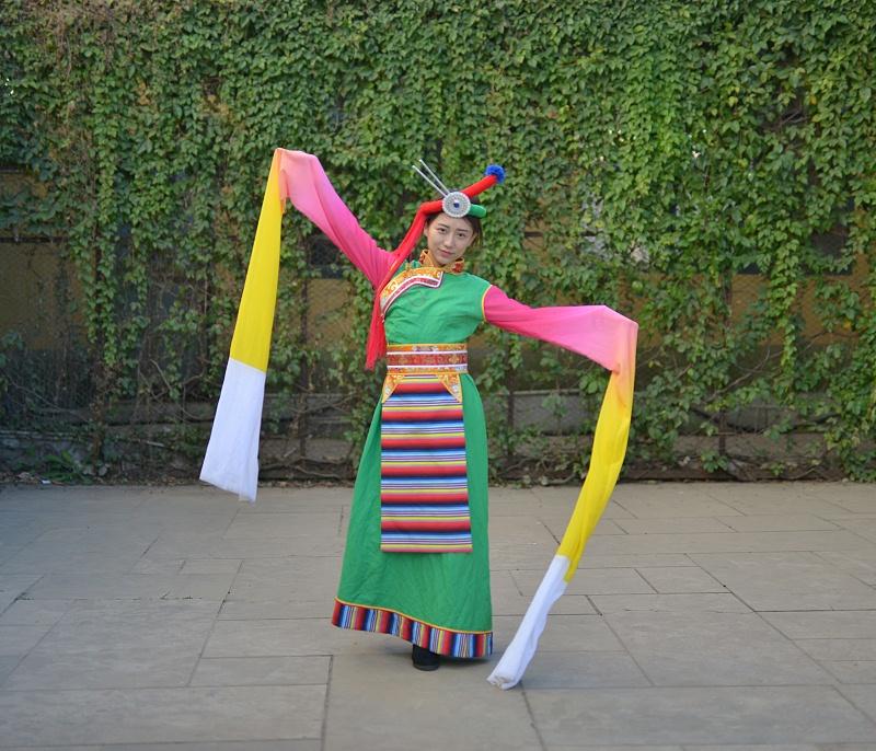 舞台表演藏族服饰
