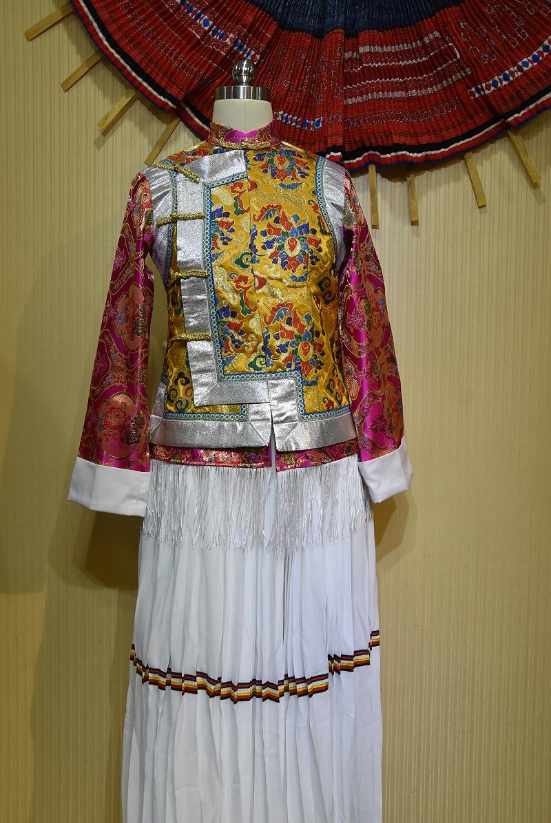 节庆舞台藏族服饰
