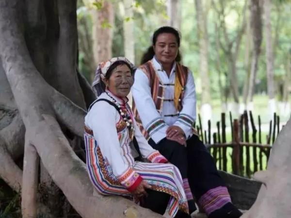 云南少数民族服饰-独龙族服饰特点图片