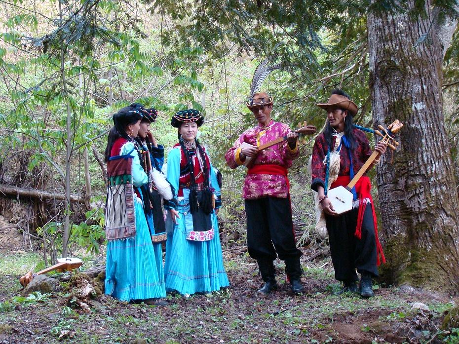 普米族服装