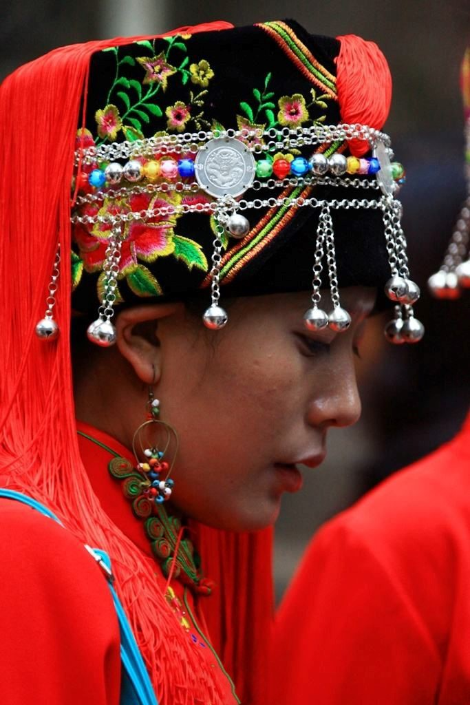 哈尼族传统的头帕衍生的帽子