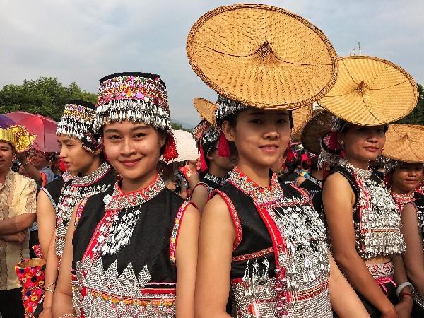 云南少数民族服饰--傣族服饰特点多支系图片欣赏