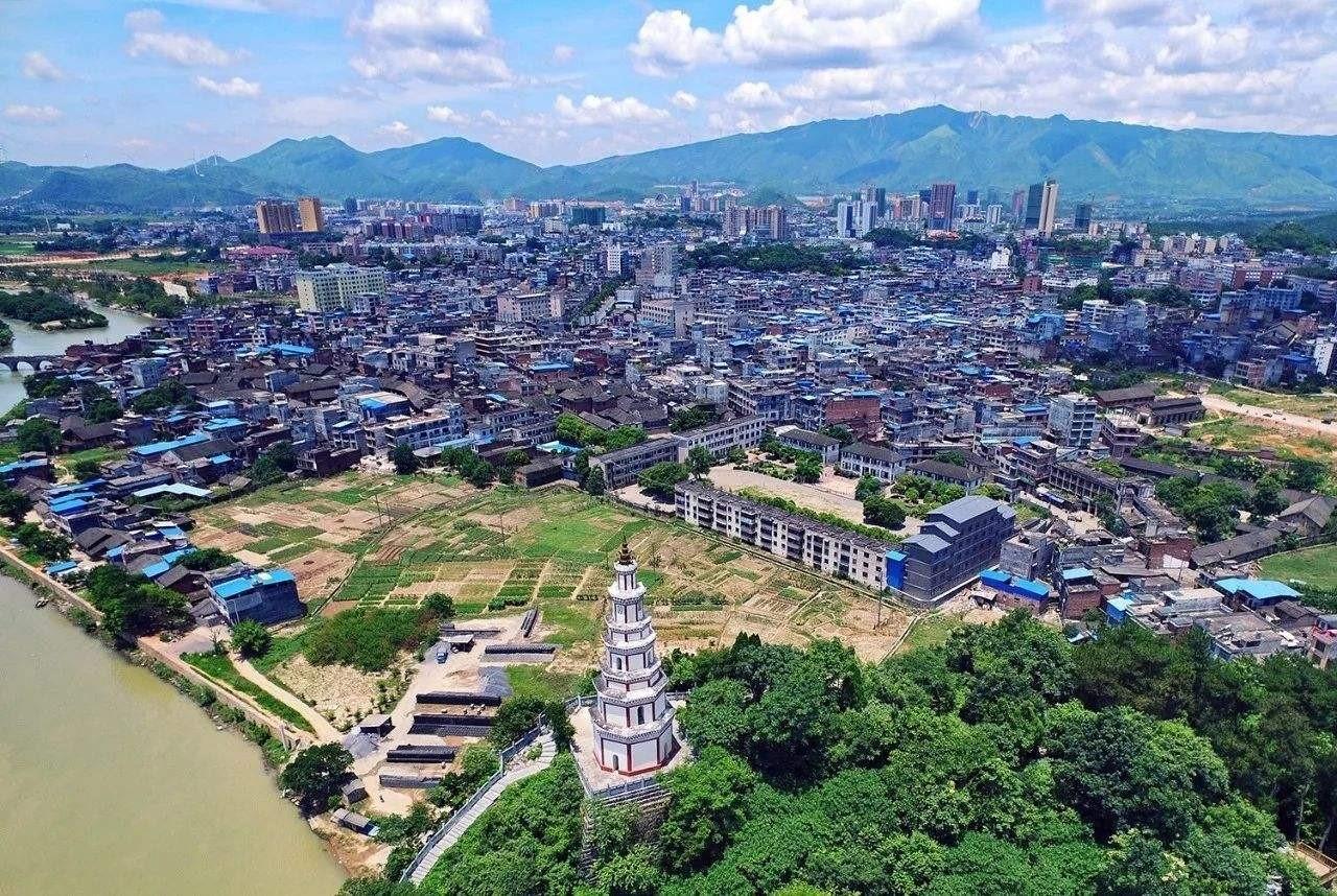 江华瑶族自治县60周年庆公务员民族服装定制