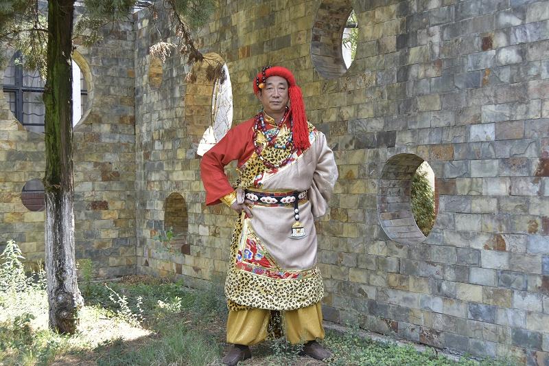 藏族服饰男装