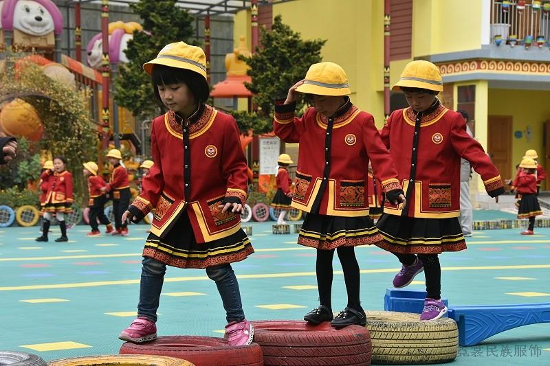 幼儿园民族特色园服