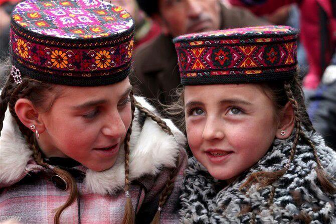 塔吉克族服装1