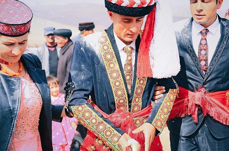 塔吉克族服装3