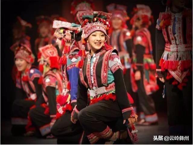 彝族花腰族姑娘3