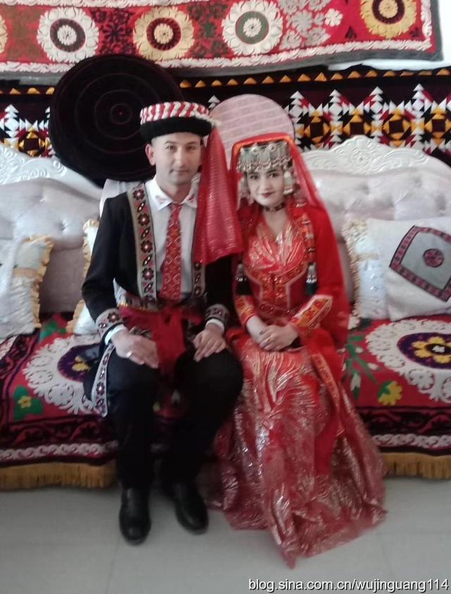 塔吉克族的新娘民族服装6