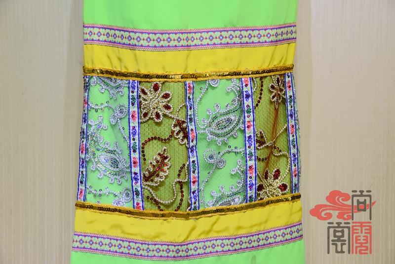 傣族舞蹈服装1