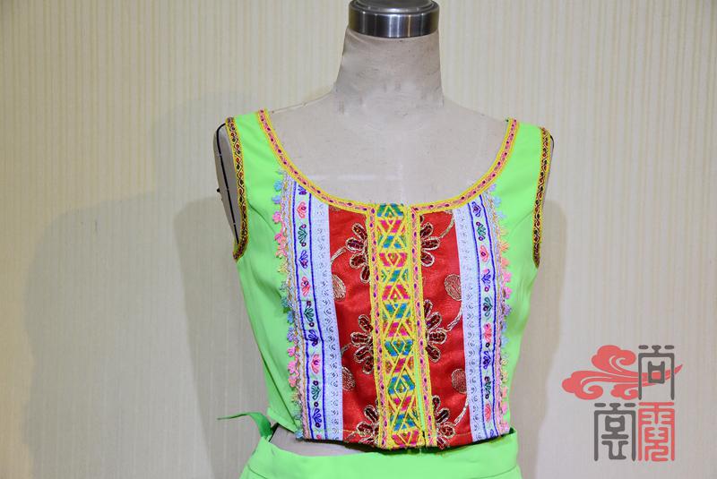 傣族舞蹈服装2