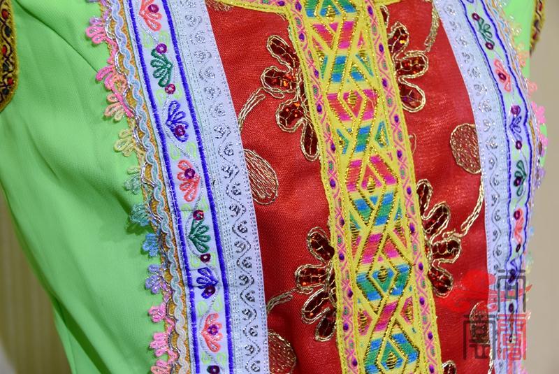 傣族舞蹈服装3