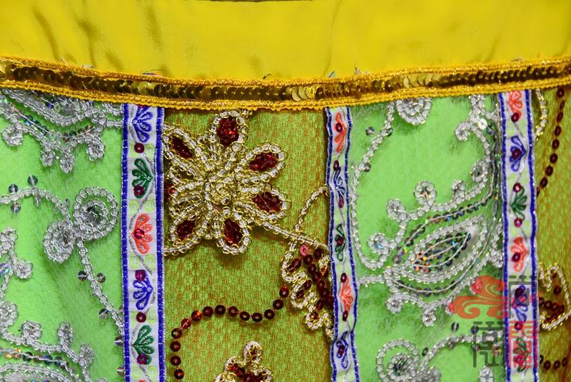 傣族舞蹈服装5