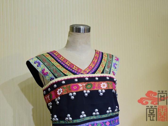 少数民族服饰佤族女舞蹈服装