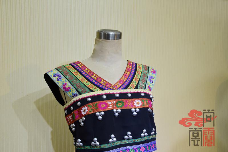 佤族舞蹈服装01