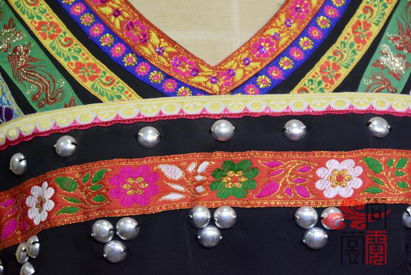 佤族舞蹈服装03
